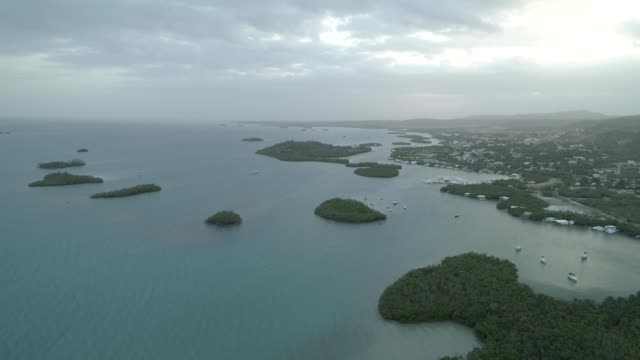 the cays located in la parguera in lajas, puerto rico. - cay insel stock-videos und b-roll-filmmaterial