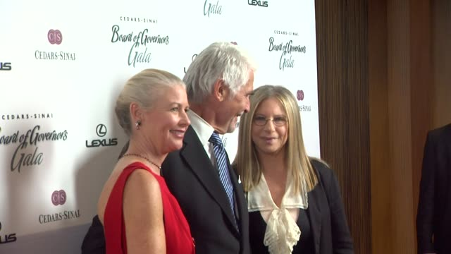 vídeos de stock, filmes e b-roll de the cedars-sinai board of governors annual gala, los angeles, ca, united states, 11/8/11 - barbra streisand