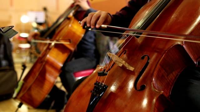 vídeos y material grabado en eventos de stock de the cello playing - estilo de música