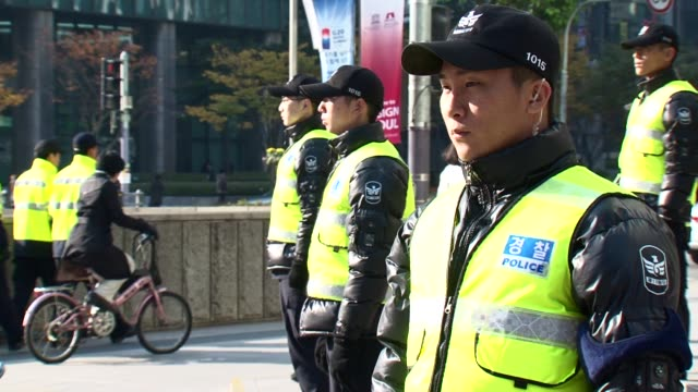 stockvideo's en b-roll-footage met the centre of seoul is in lockdown as the g20 summit gets under way seoul south korea - meer dan 50 seconden