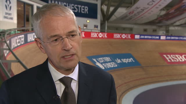 the chairman of british cycling has told sky news his organisation and team sky have clear questions to answer about how they keep records of the... - ドーピング点の映像素材/bロール