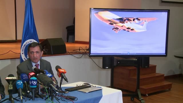 vídeos de stock e filmes b-roll de the chapecoense plane crash was caused by fuel exhaustion says the head of the investigation in bogota as the aeronautical authorities of colombia... - aviation fatigue