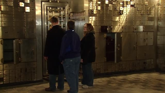 the chicago board of trade opens up their vault to the public. people inside chicago board of trade vault on october 20, 2013 in chicago, illinois - safe stock videos & royalty-free footage