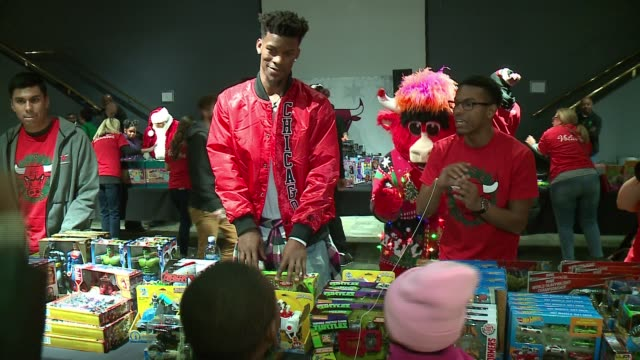 WGN The Chicago Bulls and Chicago Housing Authority invited more than Chicagoarea 400 students for their 17th annual holiday party on Dec 4 2016...