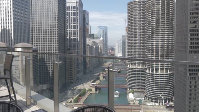 the chicago river from rooftop bar, chicago, illinois, united states of america, north america - chicago river stock videos & royalty-free footage