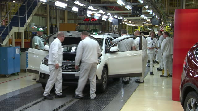 """the chief executive of jaguar land rover said it was a """"very very hard day"""". his empathy may be small comfort for the four and a half thousand... - land rover stock videos & royalty-free footage"""
