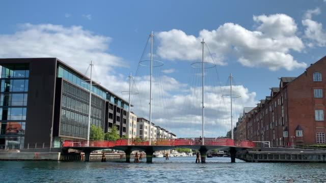the circle bridge, copenhagen - öresundregion stock-videos und b-roll-filmmaterial
