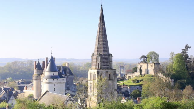 the city and chateau of langeais in the loire valley, indre-et-loire, centre, france, europe - kirchturmspitze stock-videos und b-roll-filmmaterial