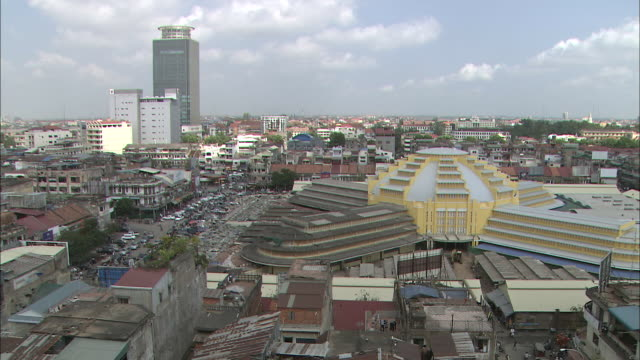 the city center of phnom penh: long shot/ downward long shot/ pan right. - phnom penh stock videos and b-roll footage