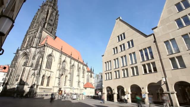 die stadt in deutschland-prinzpalmarkt mint - kathedrale stock-videos und b-roll-filmmaterial