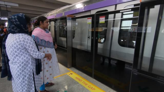 the city of joy kolkata flag off its second metro line east - west corridor metro service after 1984 for public february 14, 2020. the east - west... - hooghly river stock videos & royalty-free footage