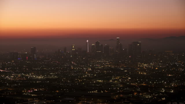 aerial the city of los angeles at night - western usa stock videos & royalty-free footage