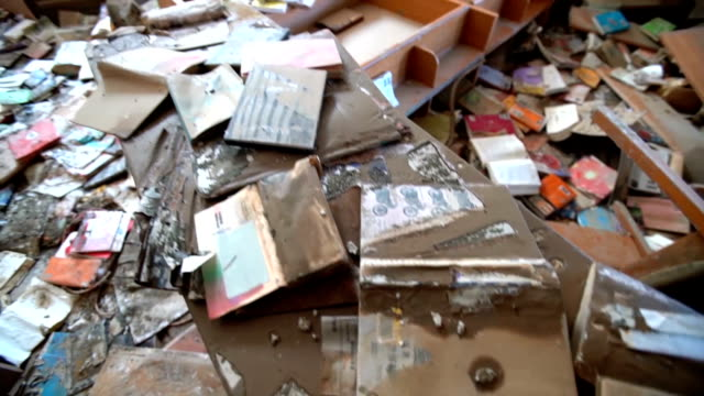 The cityrun Mabi Library here will have to discard all of its 127000 books that were damaged in the downpours and flooding that hit western Japan...