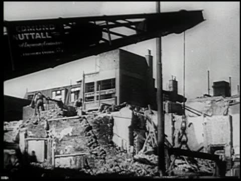 vídeos y material grabado en eventos de stock de the civilian serves - 7 of 10 - vea otros clips de este rodaje 2265