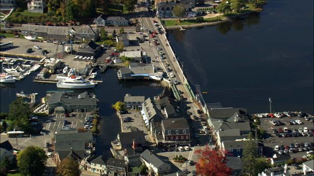 vidéos et rushes de la palourde shack - vue aérienne - maine, comté de york, états-unis - cahute