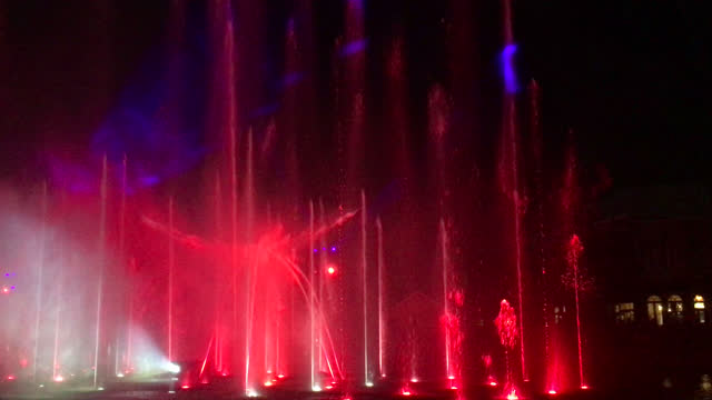 stockvideo's en b-roll-footage met the closing show with water and fireworks in universal studios seen on july 20, 2019; in orlando, florida, usa. universal studios' famous recreation... - redactioneel