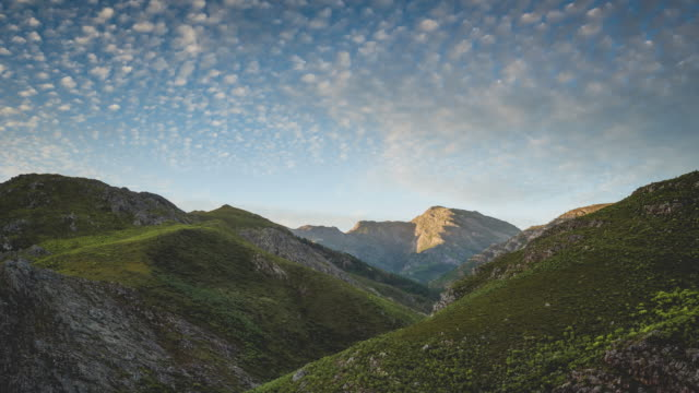 ws t/l of the clouds over franschhoek pass, south africa - franschhoek stock videos and b-roll footage