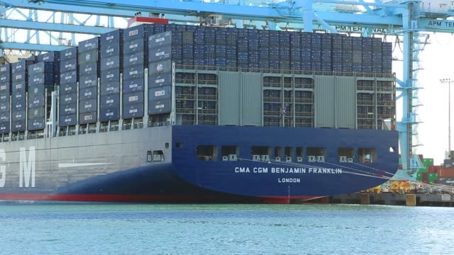 the cma cgm benjamin franklin sits docked at the port of los angeles in california on december 26th 2015 the cma cgm benjamin franklin is the largest... - benjamin franklin stock videos & royalty-free footage