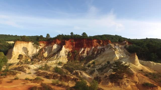 the colorado de rustrel at roussillon, france - 堆積岩点の映像素材/bロール