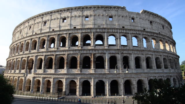 the colosseum, rome, italy - arco architettura video stock e b–roll