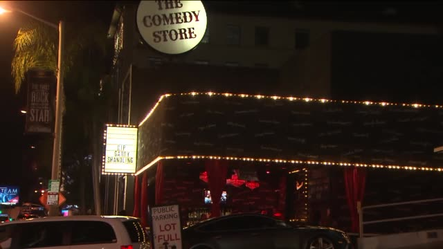 "the comedy store honors comedian garry shandling on marquee. shot of marquee, ""rip garry shandling"". - comedian stock videos & royalty-free footage"