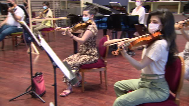 the conductor and ambassador of the ngo 'ayuda en acción', pablo heras-casado, and the madrid symphony orchestra during the rehearsal for the 7th... - arts culture and entertainment stock videos & royalty-free footage