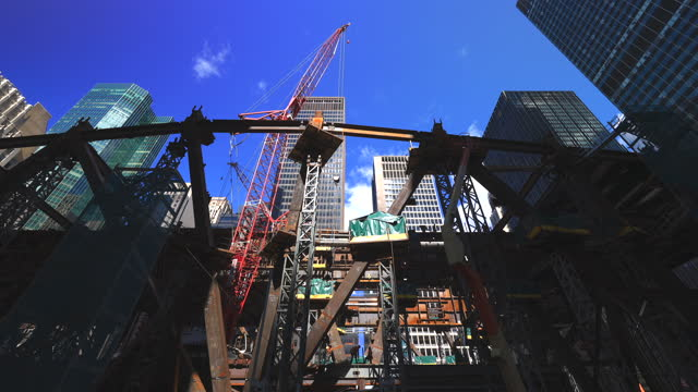 the construction of the new headquarter jp morgan chase building is in progress. - 交代点の映像素材/bロール