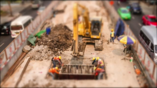 4K TIME LAPSE  (4096x2160) : The construction site moving machine time lapse (Apple ProRes. 422(HQ)).