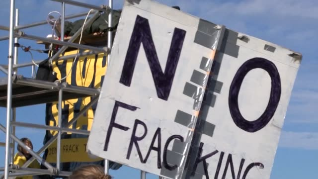 stockvideo's en b-roll-footage met the controversial process of fracking will be halted in england due to the risks of triggering earthquakes when trying to tap shale gas reserves - schalie