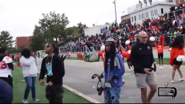 the coolidge colts, a high school football team in washington, turned things around in the third quarter of their homecoming game against the... - https stock-videos und b-roll-filmmaterial
