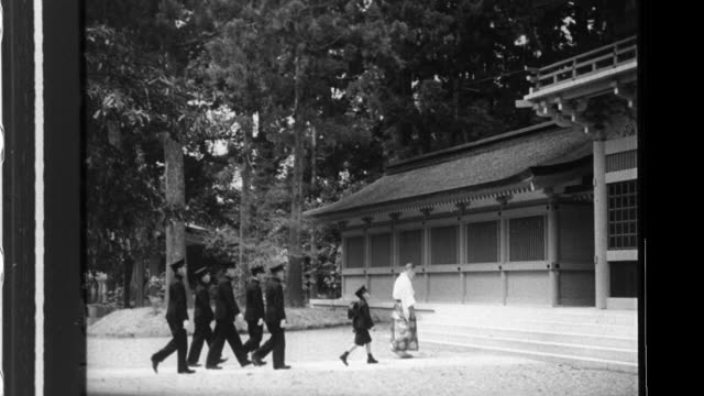 HIH the Crown Prince arrives with classmates at Katori Shrine and worships as he visits then later travels with classmates for a tour of Kashima...