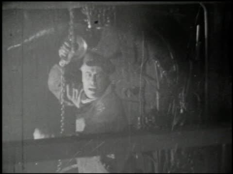 the curse of drink - 6 of 13 - この撮影のクリップをもっと見る 2451点の映像素材/bロール