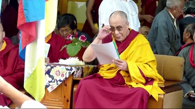 the dalai lama announces he will step down as political head of the exiled tibetan government, but will continue to push the tibetan cause in his key... - esilio video stock e b–roll