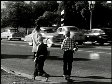vídeos de stock e filmes b-roll de the dangerous stranger (first edition) - 8 of 10 - veja outros clipes desta filmagem 2270