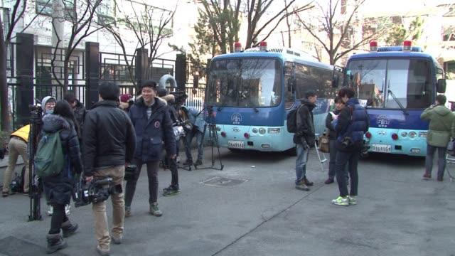 vídeos y material grabado en eventos de stock de the daughter of korean airs chairman is found guilty of violating aviation safety law in a now notorious on board nut rage incident - presidente de organización