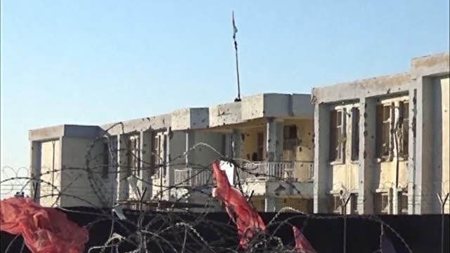 vídeos de stock e filmes b-roll de the death toll from a 27 hour taliban siege of kandahar airport jumps to 50 - kandahar