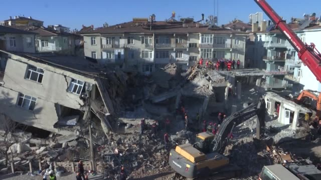 the death toll from a powerful earthquake which struck eastern turkey rose to 31 officials said sunday as rescue efforts continued - domenica video stock e b–roll