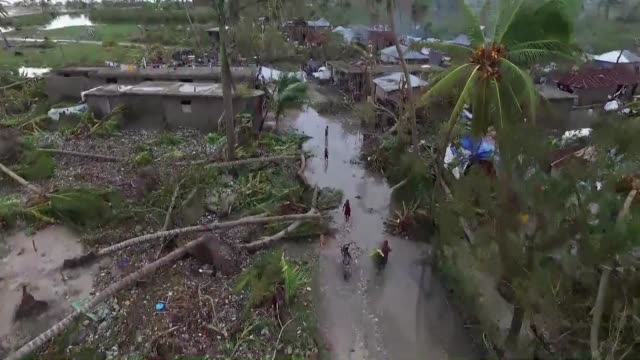 the death toll from hurricane matthew rises to at least 264 people in haiti the poorest country in the americas after blasting through the caribbean... - haiti stock videos & royalty-free footage