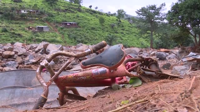 The death toll from last week's mudslide and flooding in Sierra Leone's capital city is approaching 500 and hundreds more are missing after one of...