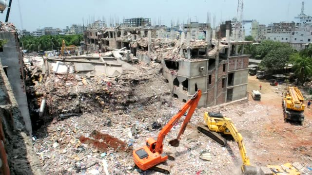 vídeos de stock, filmes e b-roll de the death toll from the collapse of a factory complex in bangladesh passes 500 as the prime minister says western retailers have to share some... - primeiro ministro