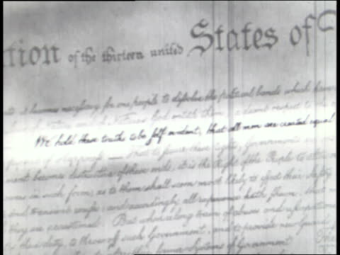 stockvideo's en b-roll-footage met the declaration of independence, gettysburg address, and heroes such as george washington, thomas jefferson, and abraham lincoln provide the framework for american government and freedoms. - vaderlandsliefde