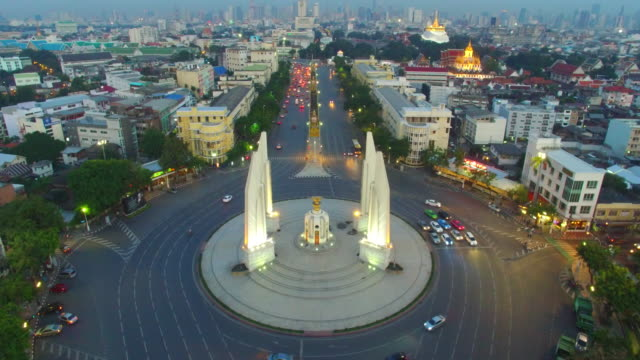 the democracy monument bangkok - 1932 stock videos & royalty-free footage