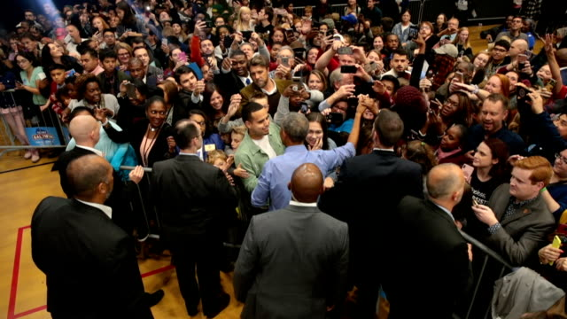 vídeos de stock e filmes b-roll de the democratic party of wisconsin is thrilled to welcome president barack obama to wisconsin on friday, october 26 to campaign with senator tammy... - partido democrático eua