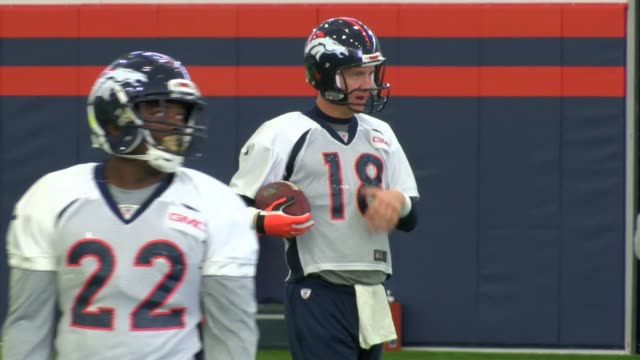 stockvideo's en b-roll-footage met the denver broncos spent $35 million to construct an indoor practice facility to use in the event of bad weather. a severe cold snap in november of... - rampenoefening