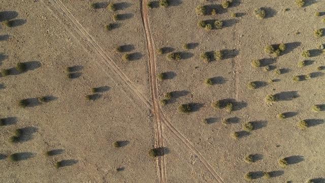 vídeos de stock e filmes b-roll de the deserted highland valley nearby flagstaff, arizona - sudoeste dos estados unidos