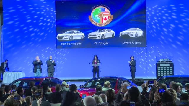 The Detroit auto show handed out its selfproclaimed Oscars of the auto industry on Monday rewarding Honda Volvo and Ford amid a crowded slate of new...