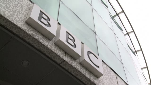 vídeos y material grabado en eventos de stock de the director general of the bbc george entwistle admitted on saturday it faced a crisis of trust after the channels flagship current affairs... - bbc