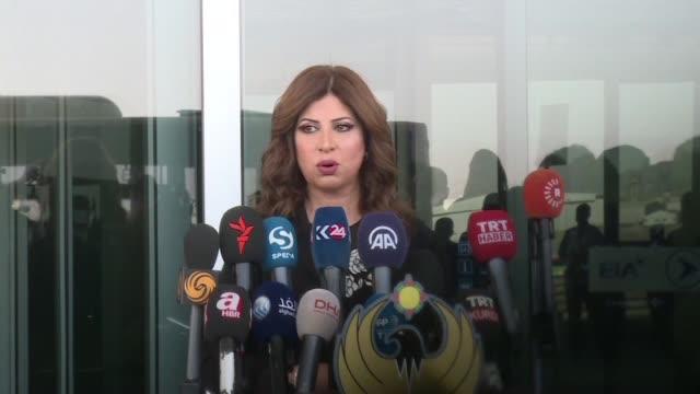 vídeos y material grabado en eventos de stock de the director of arbil airport gave a presser on friday ahead of a flight suspension imposed by baghdad in retaliation for a controversial kurdish... - venganza