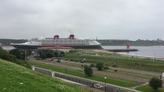 the disney cruise ship magic enters the river tyne for a one day stop - river tyne stock videos & royalty-free footage
