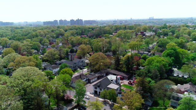 the drone aerial view of the residential district at the sunny spring day. pelham manor, westchester county, new york state. - new england usa stock videos & royalty-free footage